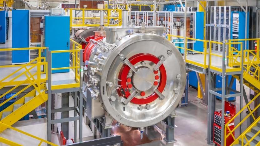 Der Testreaktor Norman von TAE erzeugt verlässlich ein stabiles Plasma bei über 50 Millionen Grad Celsius.