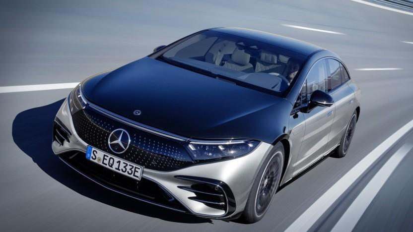 Mit dem EQS elektrifiziert Mercedes erstmals seine Luxusklasse.