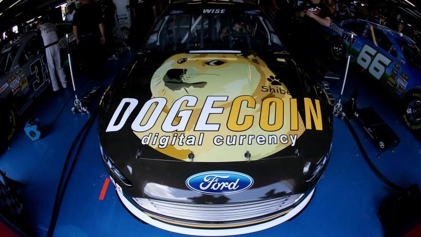 Bereits 2014 hatte der Dogecoin eine große Fanbase: Diese widmete der Kryptowährung ein Rennauto.