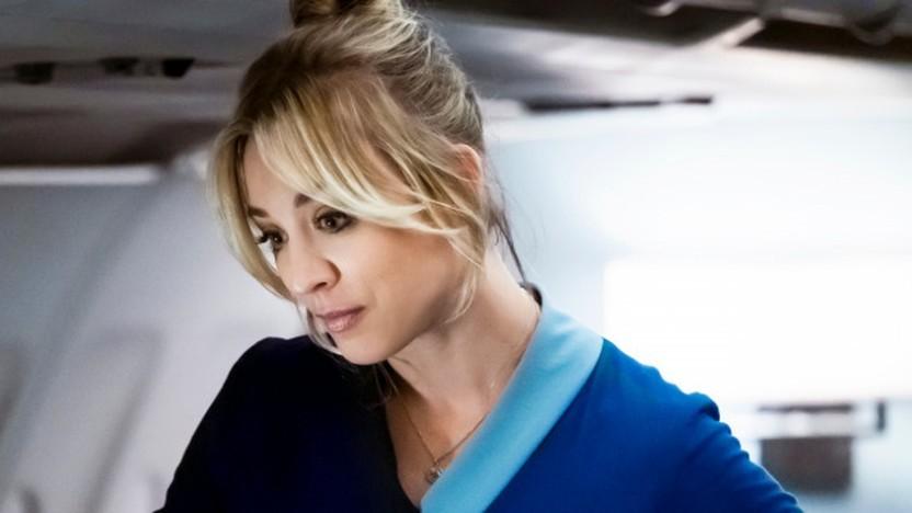 Kaley Cuoco spielt die Hauptrolle in The Flight Attendant.