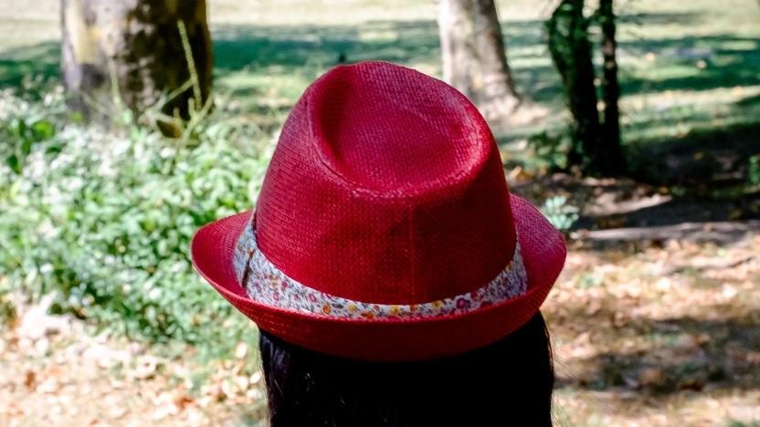 Mit dem roten Hut weiter nach vorne