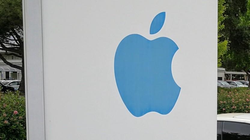 Apple wirft einem ehemaligen Manager vor, Betriebsgeheimnisse verraten zu haben.