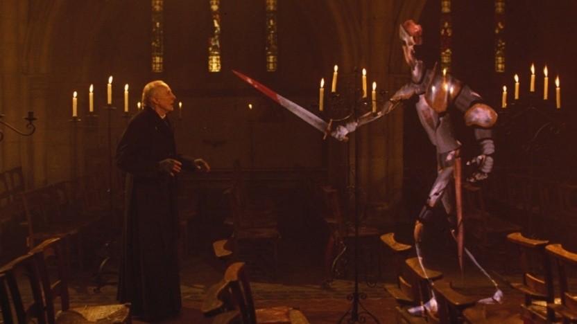Eben noch im Buntglasfenster, jetzt schon auf dem Kirchenboden: der animierte Ritter aus Young Sherlock Holmes von 1985.