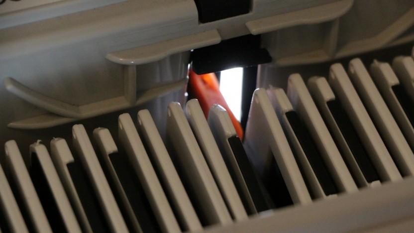 Mit Magazinscannern lassen sich bequem ganze Diasammlungen digitalisieren.