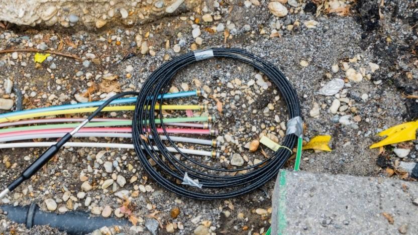 Kabelnetz bekommt mehr Glasfaser.