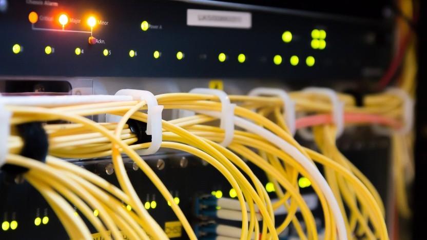 Provider sollen Verbindungsdaten schon bei strafbaren Äußerungen im Netz herausgeben.