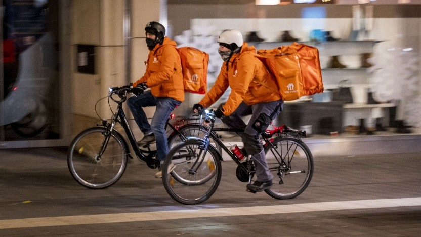 Zwei Lieferando-Fahrer in Mannheim