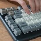 System76 Launch: Programmierbare mechanische Tastatur mit vier USB-Ports
