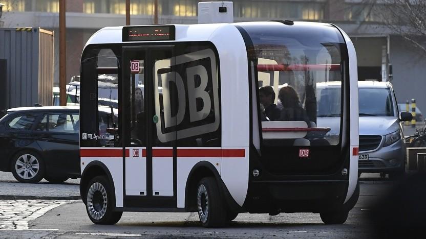 Solche autonomen Kleinbusse sollen künftig auf den Straßen unterwegs sein.