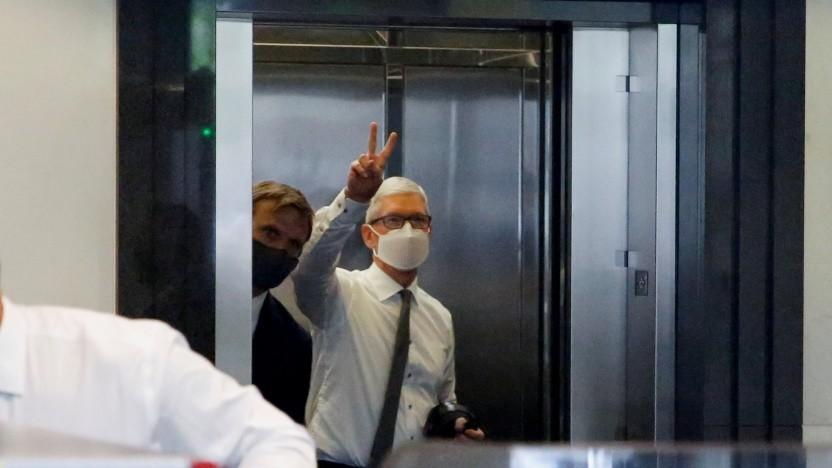 Tim Cook auf dem Weg zum Gericht