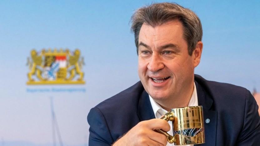 Markus Söder will Elektroautos Vorteile einräumen.