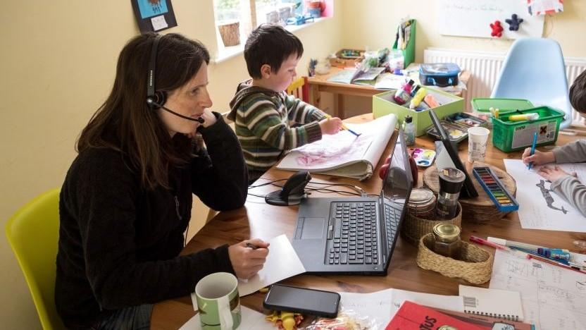 Die Arbeit im Homeoffice wirkt sich nicht nur auf das Leben der Angestellten aus.