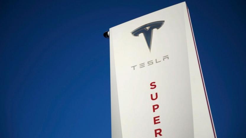 Tesla könnte an seinen Supercharger-Stationen künftig eigene Restaurants betreiben.