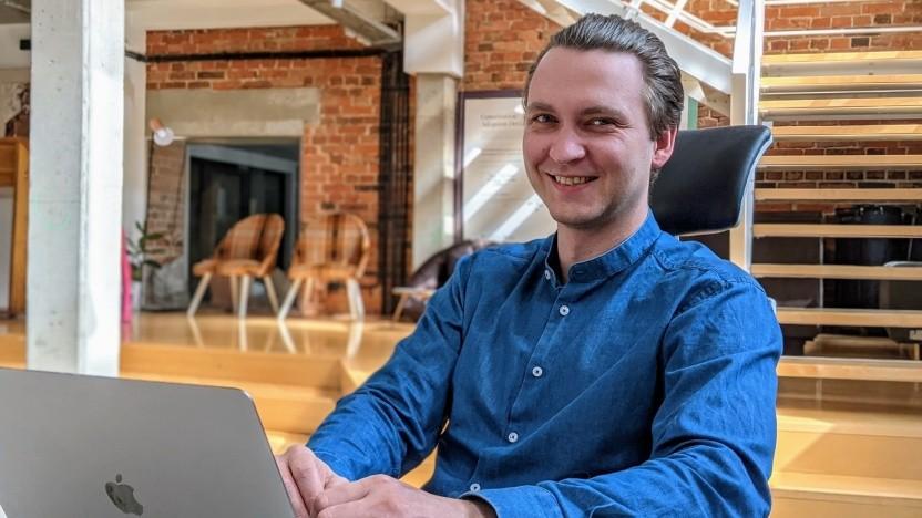 Jaroslaw Kroczek an seinem Arbeitsplatz bei Boldare