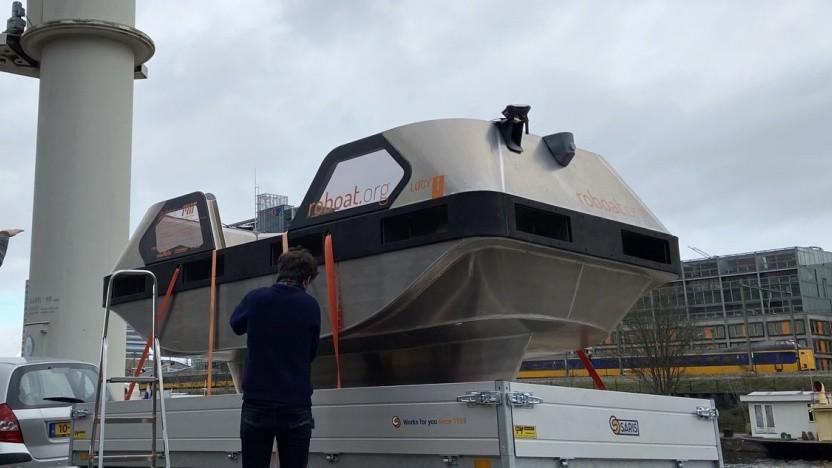 Roboat kurz vor dem Zu-Wasser-Lassen: autonom und elektrisch durch Amsterdam