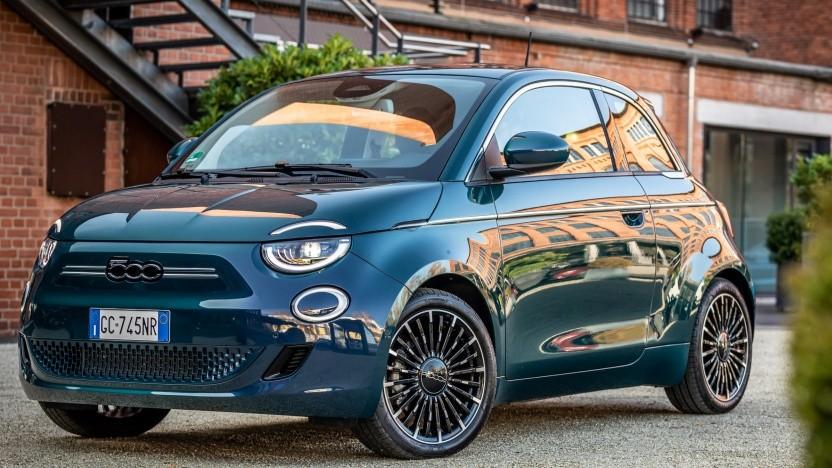 Immerhin ist der legendäre Fiat 500 schon elektrifiziert.
