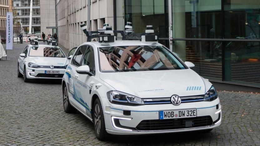 Autonome Testautos von VW in Hamburg