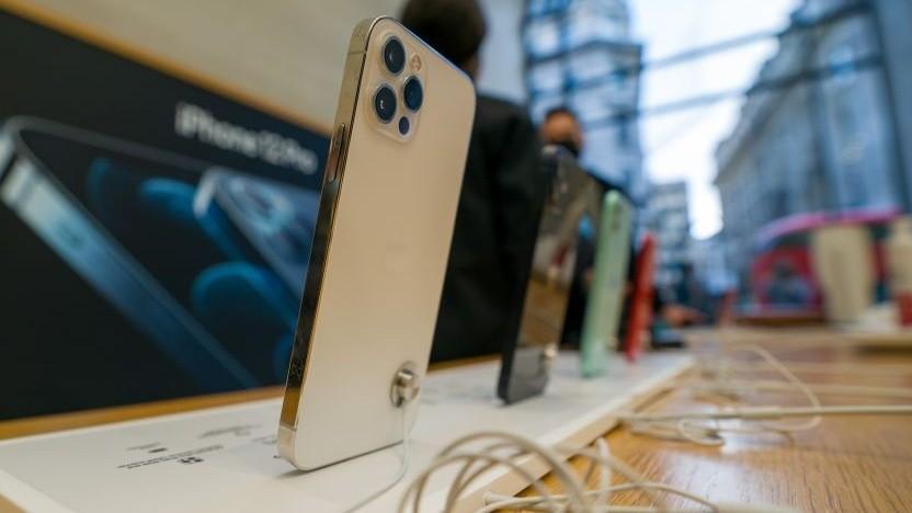 Für den Nachfolger des iPhone 12 benötigt Apple offenbar deutlich mehr Bauteile.