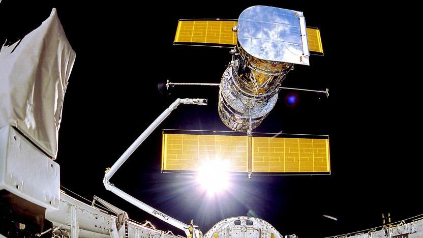 Aufnahmen vom Start des Hubble-Teleskops 1990 mit dem Spaceshuttle Discovery.