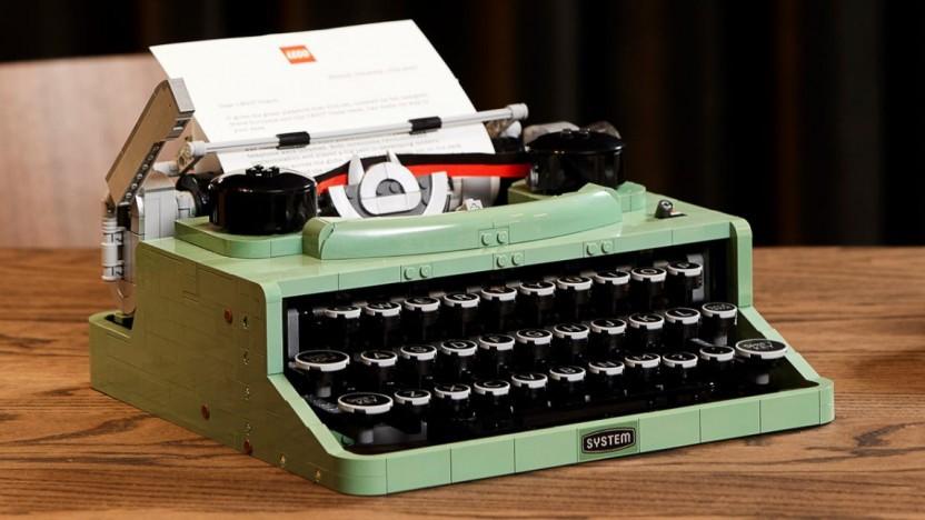 Die Lego-Schreibmaschine hat eine funktionierende Mechanik.
