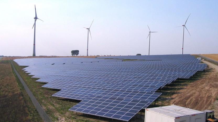 Wasserstoff aus Wind- und Sonnenenergie soll helfen, die Industrie klimaneutral umzubauen. Ein wichtiges Projekt in Australien wurde jetzt erstmal ausgebremst.