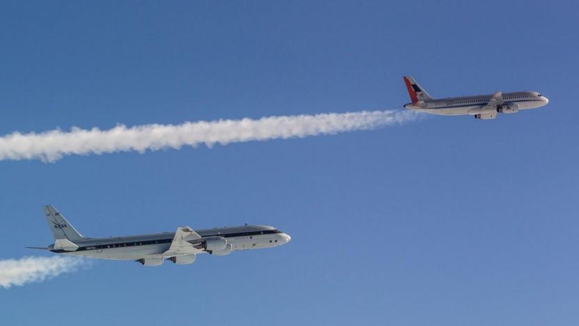 DLR A320 Atra, gefolgt von der DC-8 der Nasa, die Daten aus dem Abgasstrom sammelt