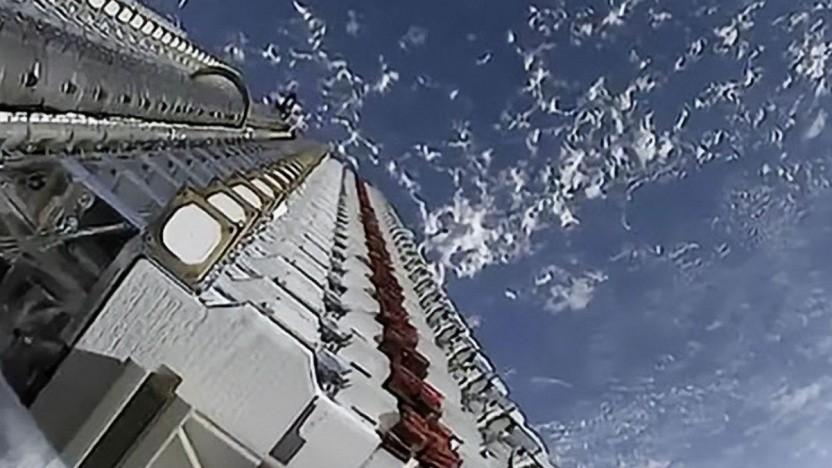 """Satelliten von Starlink """"im Rack"""""""