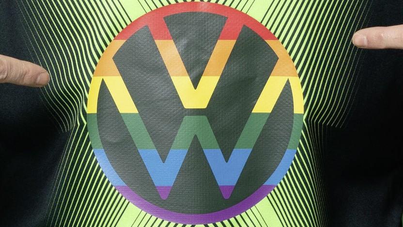 Regenbogenfarbenes VW-Logo zur Fußball EM