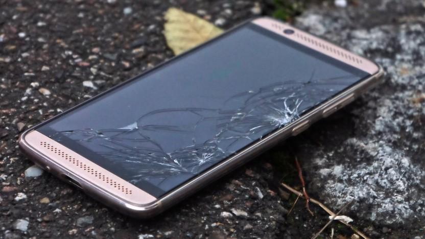 Nicht mehr reparierbare Smartphones sollen nicht mehr in der Schublade verschwinden.