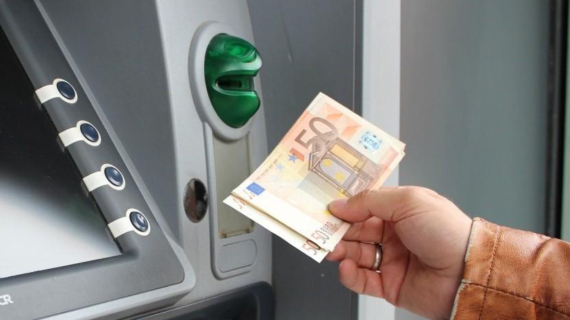 Per Smartphone den Geldautomaten hacken und Geld ausgespuckt bekommen? Das geht!