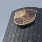 Autohäuser: Porsche baut eigenes Ladenetz auf