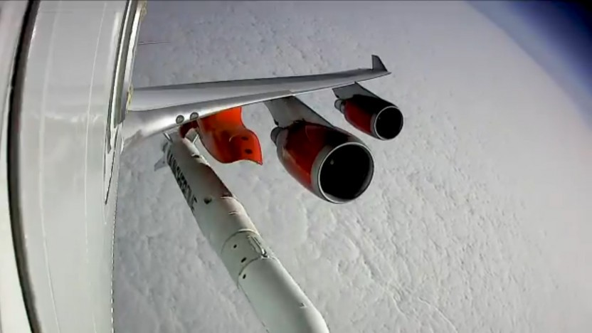 Launcher One kurz nach der Ablösung vom Trägerflugzeug