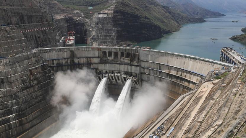 Staudamm Beihetan am Oberlauf des Jangtse: umstrittene Wasserkraftwerke