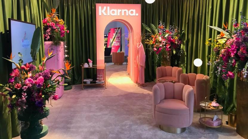 Klarna präsentiert sich auf der Fashion Week.