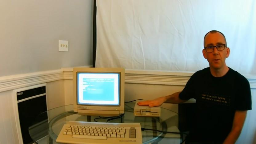 Die Demo ist geladen. Gleich läuft nur noch das Diskettenlaufwerk.