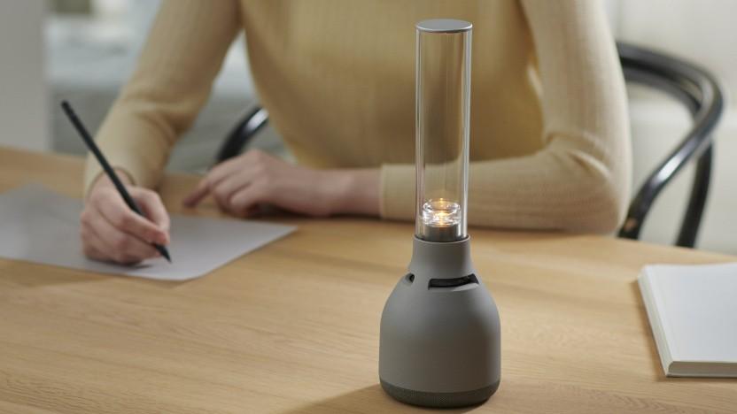Der LSPX-S3 erzeugt die Musik mit Glas und dient als Lampe.