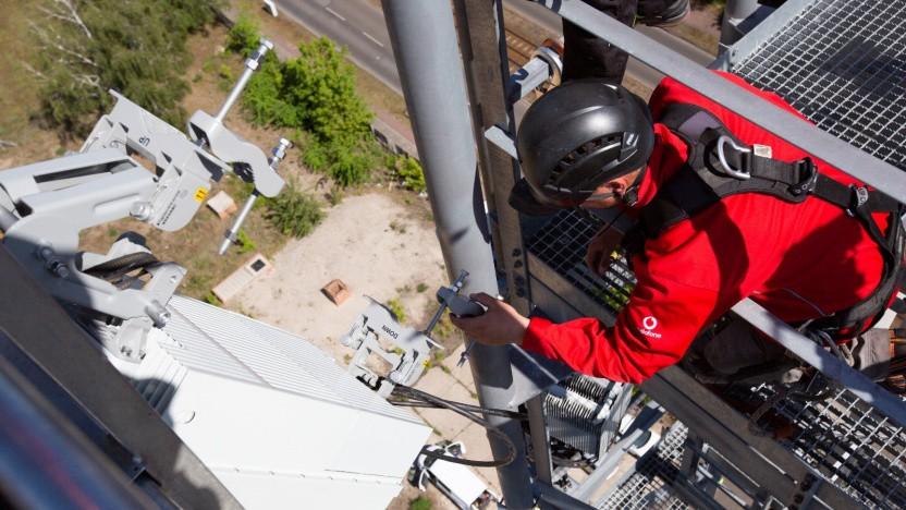 Zurück am Netz. Am Dienstag konnten elf weitere Mobilfunkstandorte wieder hochfahren - wie in Euskirchen, Altenahr & Bad Münstereifel.
