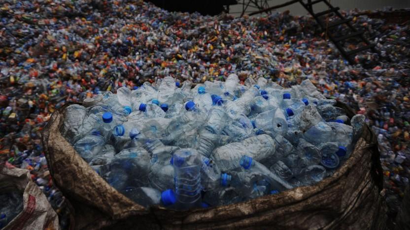 Plastikmüll (Symbolbild): essbares Pulver aus Abfall