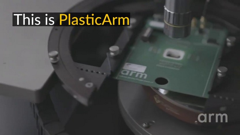 Der PlasticArm genannte Chip enthält einen CPU-Kern und RAM.