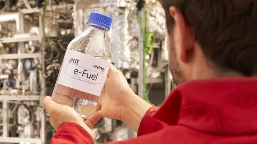 Synthetischer Kraftstoff aus Karlsruhe: letzter Ausbauschritt auf dem Weg zu einem industriellen Einsatz