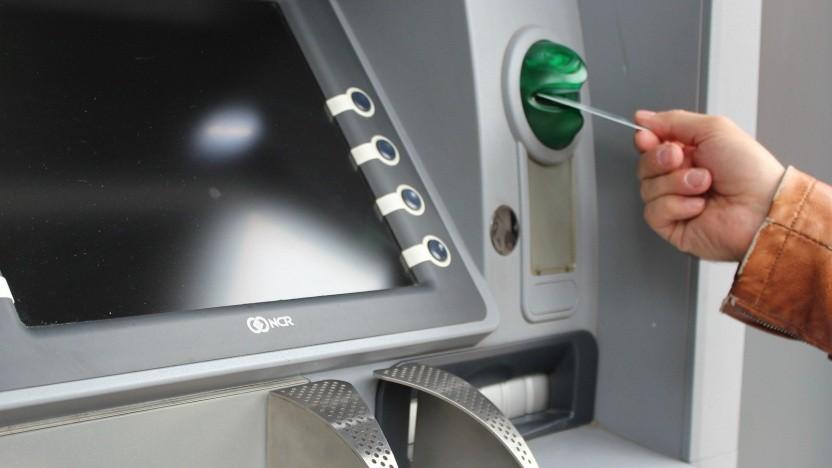 Beim Skimming werden Geldautomaten manipuliert.
