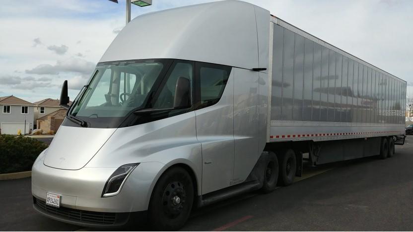 Elektro-Sattelschlepper Tesla Semi: DHL, Pepsi und UPS wollen ihn.