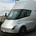 Knappheit bei Akkuzellen: Tesla verschiebt Elektro-Sattelschlepper Semi erneut