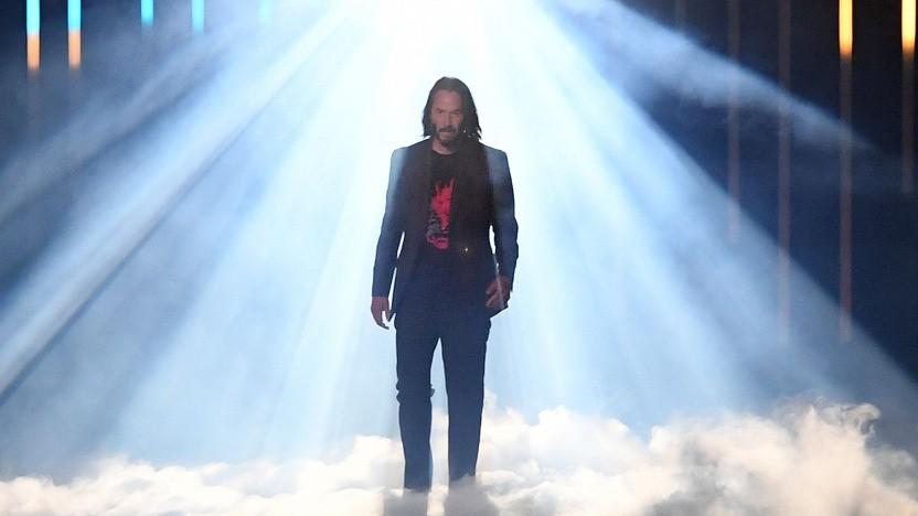 ... und heraus trat Keanu Reeves. Dass dieser Cyberpunk-Promo-Auftritt nicht vorher rauskam, wunderte selbst den PR-Manager des Spiels.