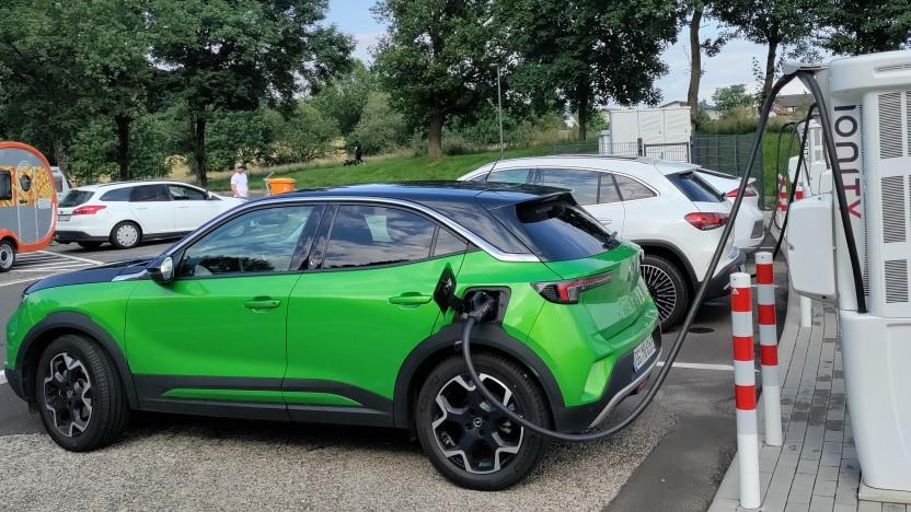 Die Verbreitung von Elektroautos hat stark zugenommen.