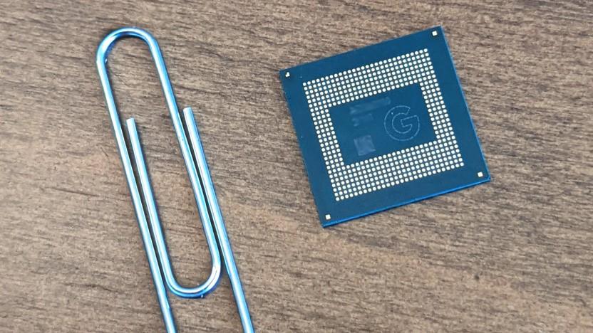 Tensor-SoC eines Pixel 6 (Pro) im Größenvergleich