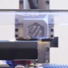 Youtube: Selbstgebauter 3D-Drucker arbeitet kopfüber