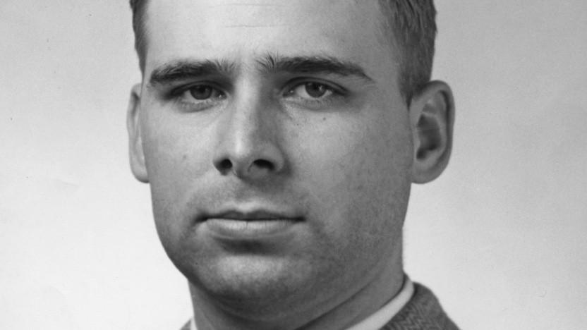 Eugene Wesley Roddenberry mit Mitte 20, damals Pilot bei der US-Fluglinie Pan Am