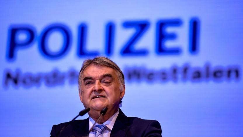 NRW-Innenminister Herbert Reul hat das Datenlabor der Polizei vorgestellt.