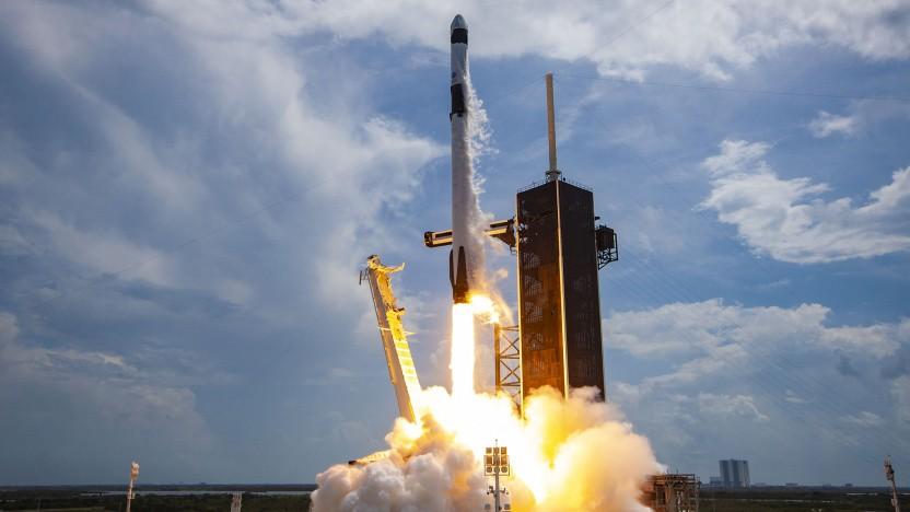 Der Satellit soll mit Hilfe einer Falcon-9-Rakete ins All geschossen werden.